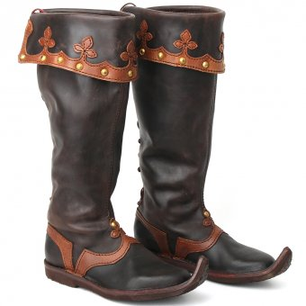Decorated top boots nobleman
