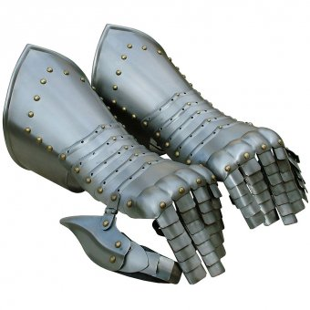 Pair of gauntlets Pelleus