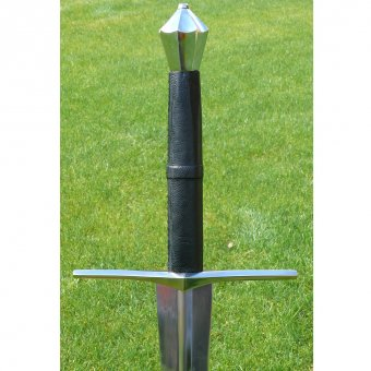 Medieval one-and-a-half stage combat sword