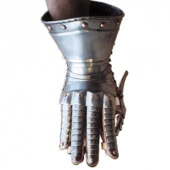 Gauntlets with brass or copper rivets