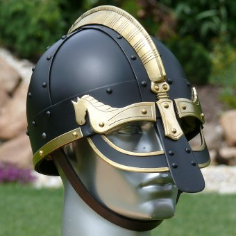 Viking helmet de luxe Gyllir with brass fittings