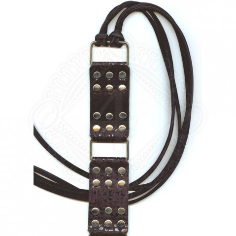 Ladies belt with rivets