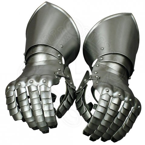 Pair of gauntlets Bedwere
