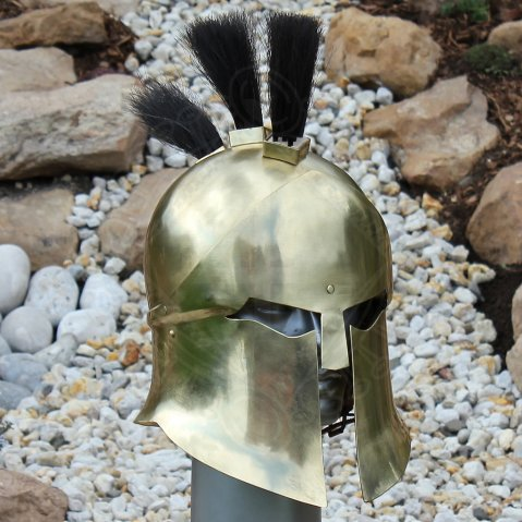 Corinthian helmet with three-part-crest