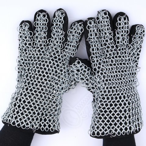Chainmail finger gloves