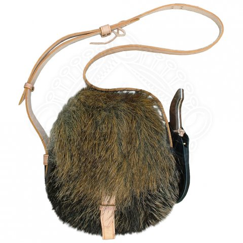 Huntsman bag with wild boar fur