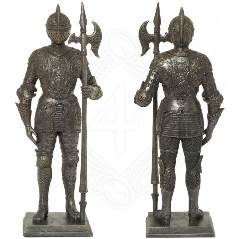 Knight guard with halberd, figurine