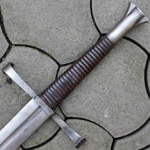 Horseman sword Amalfried, one and a half, Gothic style