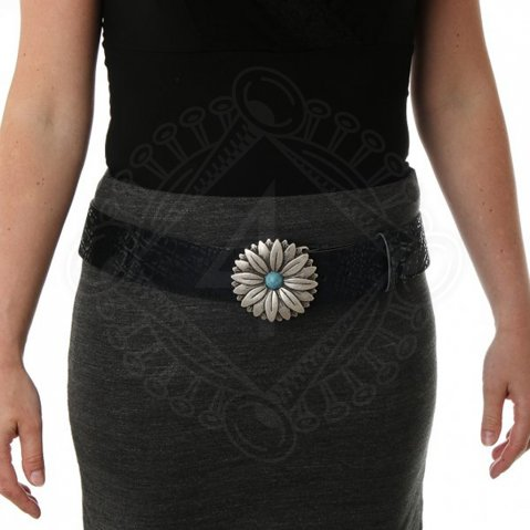 Belt with a flower buckle