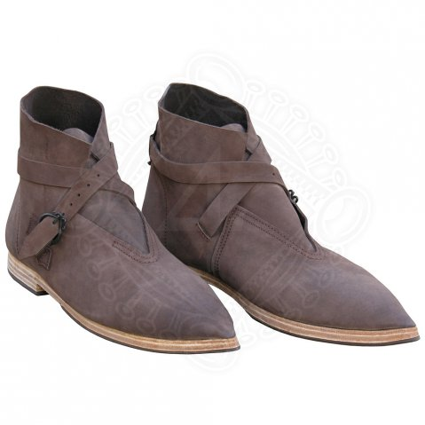 Low pointed historical shoes