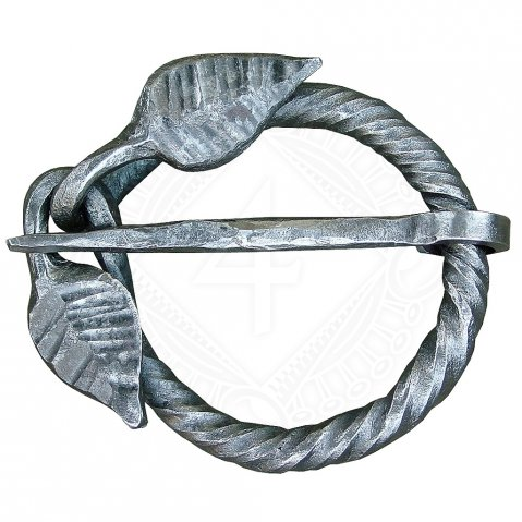 Cloak pin with leaves