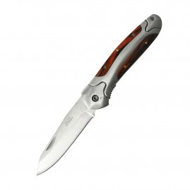 Pocketknife with metal grip with wooden insert