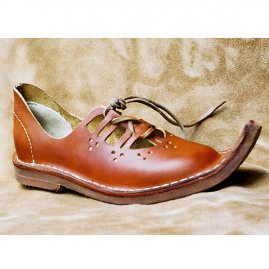 Low ladies leather shoes Barber lady