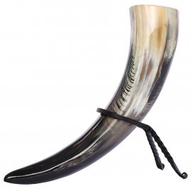 Drinking horn with peacock feather decoration