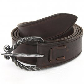 Leather belt with a twisted wrought buckle