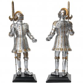 Figure of a 16th-century-knight with Italian trident
