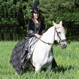 Baroque-style Horsewoman dress Dona sale