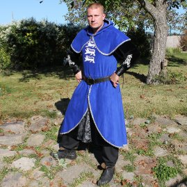 Medieval knight clothing Kay